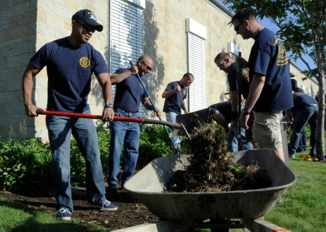 RETSIL, Wash. (August 20, 2013) More than 70 chief petty officers and chief petty officer selects assigned to commands within Navy Region Northwest participated in a community service project at the Washington Veterans Home in Retsil, assisting the grounds crew with various clean-up projects. The veterans home is a 31-acre state-of-the-art facility serving more than 240 veterans needing both long-term nursing and assisted-living care. (U.S. Navy photo by Mass Communication Specialist 2nd Class Jamie Hawkins/Released)