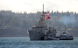 141219-N-MM360-007 EVERETT, Wash. (Dec. 19, 2014) – The Oliver Hazard Perry Class Frigate USS Rodney M. Davis (FFG 60) prepares to return to its homeport of Naval Station Everett (NSE). Rodney M. Davis returned from its final deployment to the Western Pacific and Indian Ocean to her homeport Dec. 19 and will prepare to decommission in 2015. (U.S. Navy photo by Mass Communication Specialist 1st Class Jeffry A. Willadsen/Released)