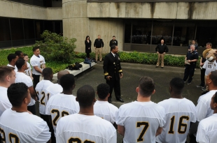 admiral-mayes-gives-the-2016-navy-flag-football-team-a-pregame-speech