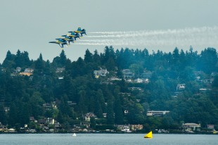 170805-N-SH284-443 SEATTLE (Aug. 5, 2017) The U.S. Navy Flight Demonstration Squadron, the Blue Angels, fly in formation over Lake Washington, during the 68th annual Seafair Fleet Week. Seafair Fleet Week is an annual celebration of the sea services wherein Sailors, Marines and Coast Guard members from visiting U.S. Navy and Coast Guard ships and ships from Canada make the city a port of call. (U.S. Navy photo by Mass Communication Specialist 2nd Class Vaughan Dill/Released)