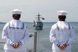 180731-N-DA737-0248 PUGET SOUND, Wash. (July 31, 2018) Sailors man the rails onboard the amphibious transport dock ship USS Somerset (LPD 25) as it sails in the Parade of Ships as part of Seattle's Seafair Fleet Week. Seafair Fleet Week is an annual celebration of the sea services wherein Sailors, Marines and Coast Guard members from visiting U.S. Navy and Coast Guard ships and ships from Canada make the city a port of call. (U.S. Navy photo by Mass Communication Specialist 2nd Class Jonathan Jiang/Released)