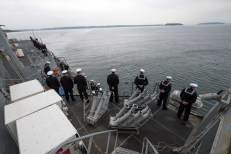 181121-N-DA737-0073 EVERETT, Wash. (Nov. 21, 2018) Sailors aboard the guided-missile destroyer USS Shoup (DDG 86) man the rails as the ship returns to its homeport of Naval Station Everett (NSE). Shoup returned to NSE from a cooperative Western Pacific deployment after supporting the Oceania Maritime Security Initiative to enhance regional security and interoperability with partner nations. (U.S. Navy photo by Mass Communication Specialist 2nd Class Jonathan Jiang/Released)